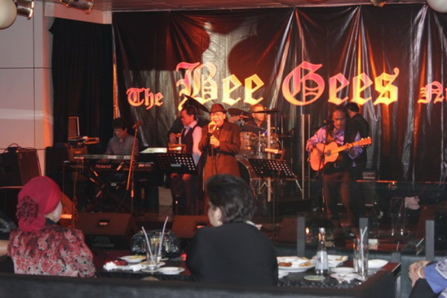 "Airman presents : ""Bee Gees Night"""